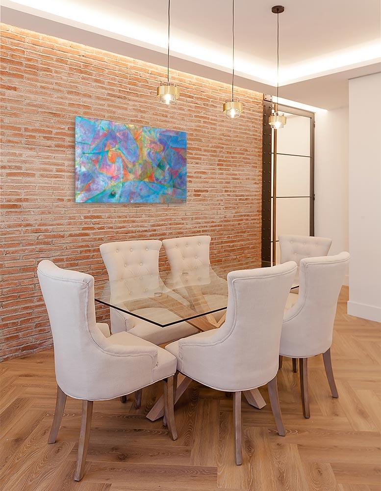 Reproducción de arte en lienzo- comedor con pared de ladrillo- Espacio de Comunicación - Encáustico - Geometria y Abstracción - Matérica -pintado por Fernando Pagador